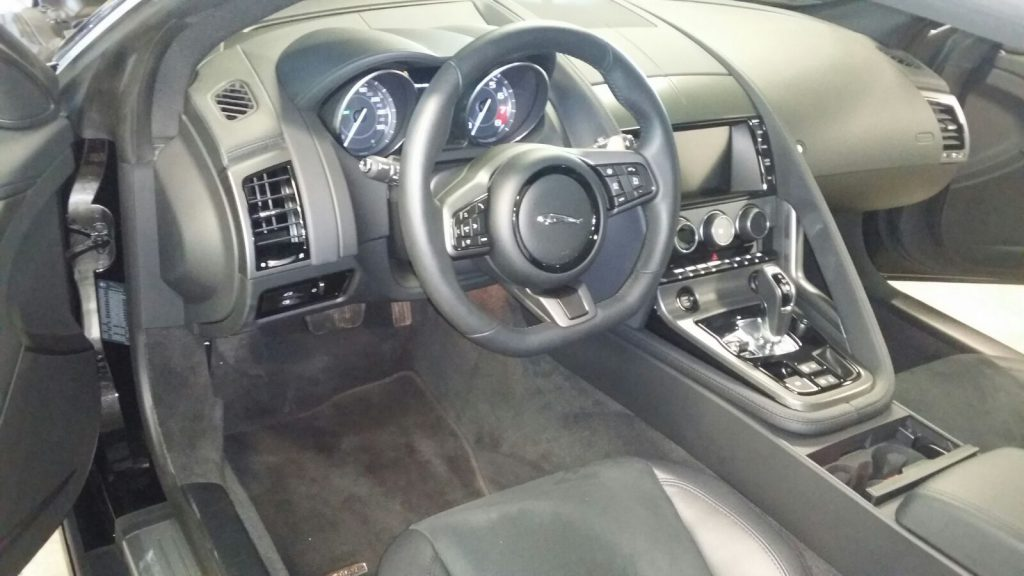 Interieur reinigen crystalcarcleaning for Auto reinigen interieur